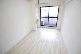 https://image.rentersnet.jp/82b26267-3dd1-438d-b825-7ff996dad8a7_property_picture_2418_large.jpg_cap_居室