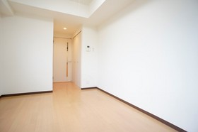 https://image.rentersnet.jp/82c53a68-a0a1-4ea8-a063-210230db3411_property_picture_961_large.jpg_cap_ペットと一緒に暮らせます