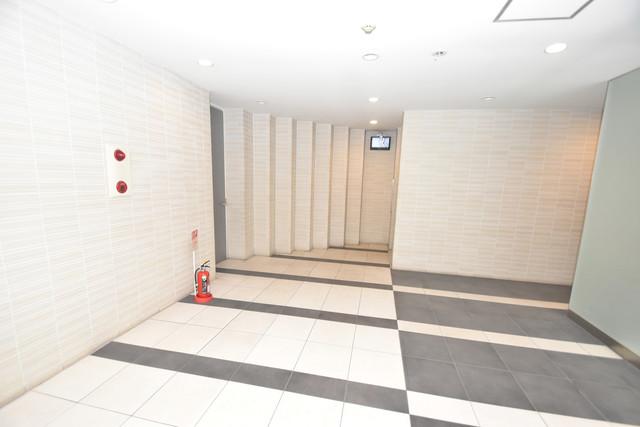 ディナスティ玉造 エレベーターホールもオシャレで、綺麗に片づけられています。