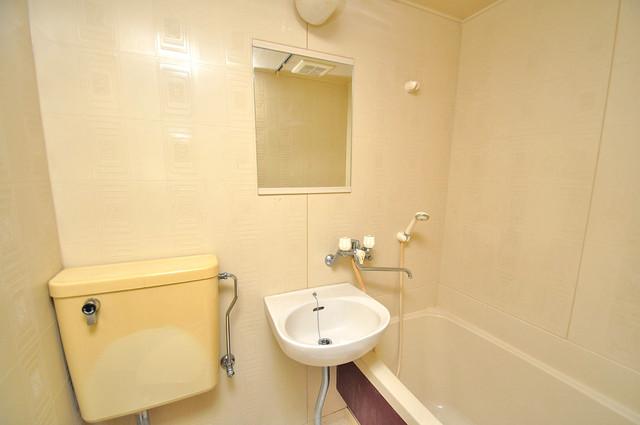 フローラ ラポルテ 可愛いいサイズの洗面台ですが、機能性はすごいんですよ。
