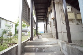 https://image.rentersnet.jp/837dd433-3478-46ea-a719-05d82b24665d_property_picture_956_large.jpg_cap_エントランス