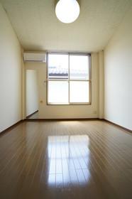 https://image.rentersnet.jp/83a67fc2-bea8-45b7-93c4-9dcb89c19e36_property_picture_960_large.jpg_cap_他号室の参考写真