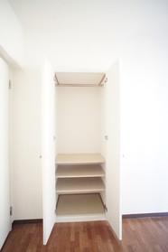 5.4帖洋室の収納