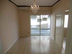 https://image.rentersnet.jp/83c9b59de100a200f7b74bd96a052e8a_property_picture_1991_large.jpg_cap_居室