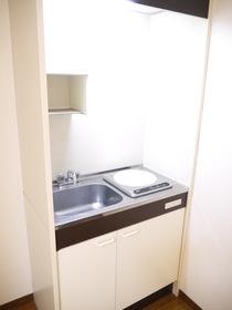 https://image.rentersnet.jp/83da8690-b5e6-471f-90a3-2973fa206e6c_property_picture_957_large.jpg_cap_キッチン