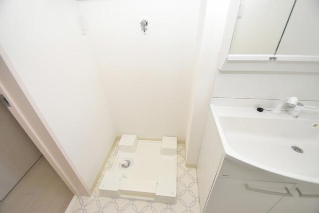 クリエオーレ巽中Ⅰ 嬉しい室内洗濯機置場は脱衣場も兼ねています。