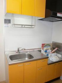 https://image.rentersnet.jp/8414785a-00a7-4730-8154-81f0de9a05f7_property_picture_956_large.jpg_cap_キッチン