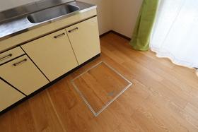 キッチン近く、床下収納あり!