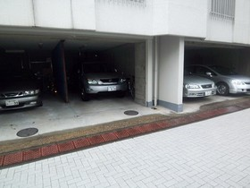 クレール御殿山駐車場