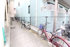 https://image.rentersnet.jp/84983abd-60fa-4a47-b52a-fa19a60d98db_property_picture_958_large.jpg_cap_外観
