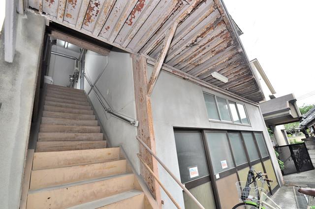冨永コーポ この階段を登った先にあなたの新生活が待っていますよ。lk