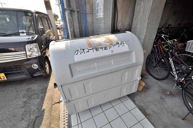 クリオコート新今里リバーサイド 敷地内に有り、時間を気にせず出せるごみ置き場。