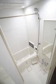 追い焚き・浴室乾燥機・浴室TV完備
