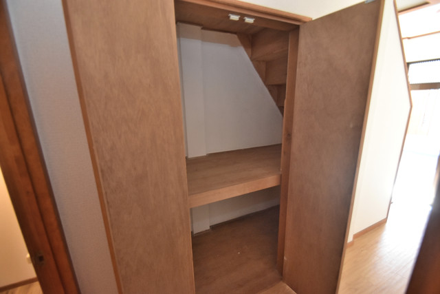 柏田東町2-37貸家 各所に収納があるので、お部屋がすっきり片付きますね。