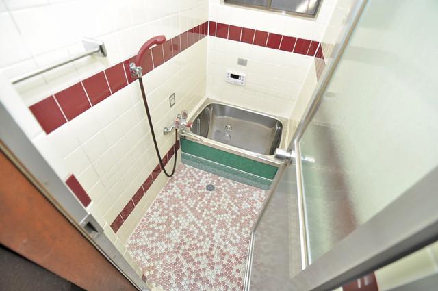 小路東2-3-9 貸家 一日の疲れを洗い流す大切な空間。ゆったりくつろいでください。