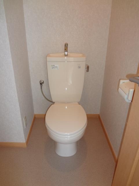 上間ビルトイレ