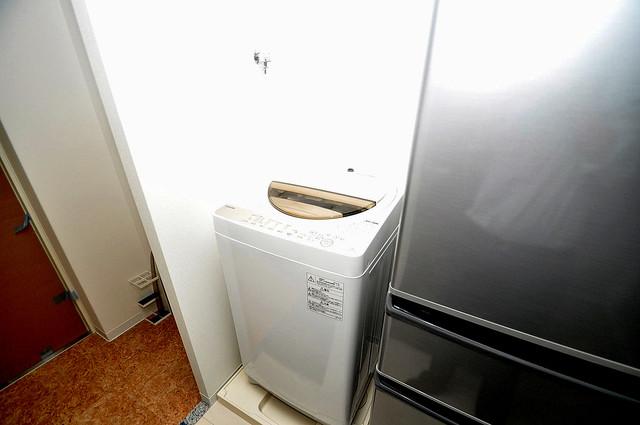 Luxe布施駅前 嬉しい室内洗濯機置場。これで洗濯機も長持ちしますね。