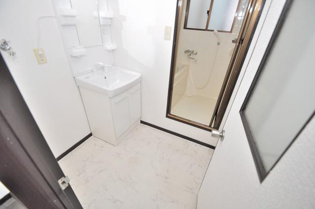 カメリア俊徳道 人気の独立洗面所はゆったりと余裕のある広さです。