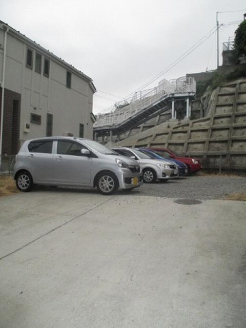 大浜ハイツ2号荘駐車場