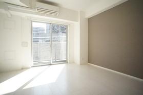 https://image.rentersnet.jp/85a18147-7157-4178-8b77-72f0953ae526_property_picture_2987_large.jpg_cap_居室