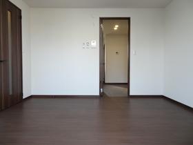 https://image.rentersnet.jp/8615313f5d0b22ab4cc314db7d89de30_property_picture_1992_large.jpg_cap_居室