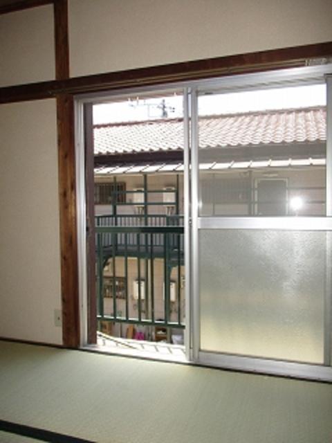 ロイヤルB居室