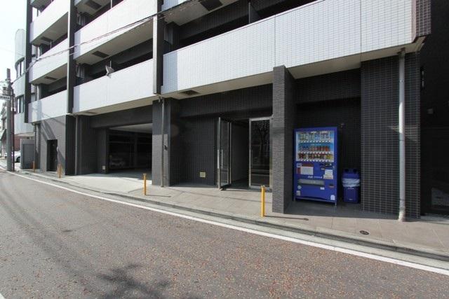 ラグジュアリーアパートメント横浜黄金町エントランス