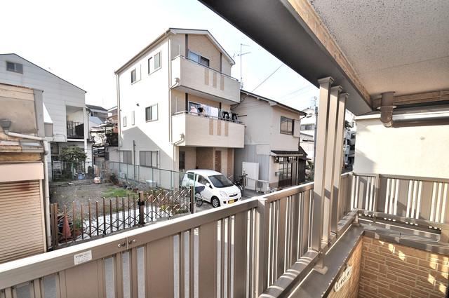 フレンテ田中 目の前に建物がありますがこのように日も入ってきます。