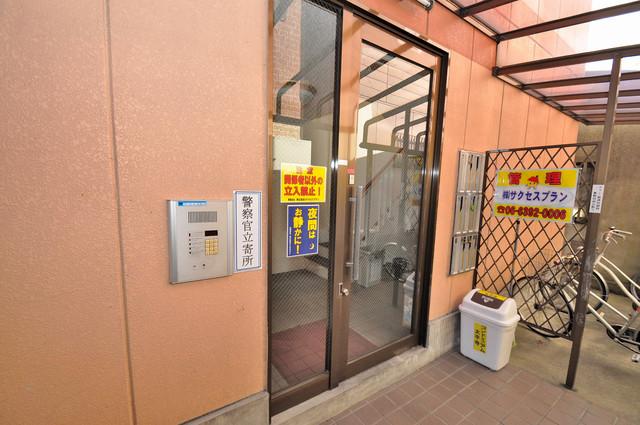 コンドミニアム太平寺 オシャレなエントランスは安心のオートロック完備です。