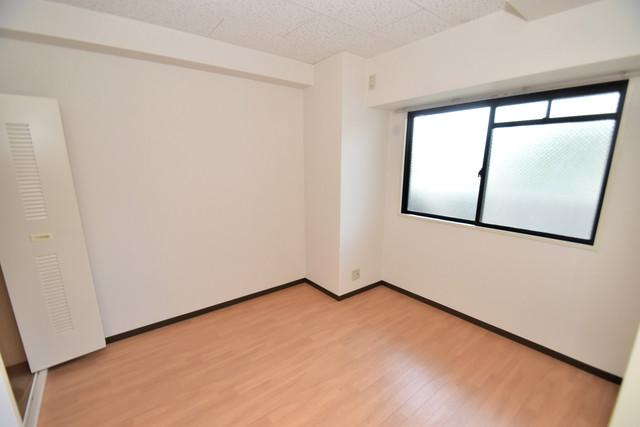 サンオーク タツミ 朝には心地よい光が差し込む、このお部屋でお休みください。