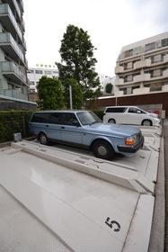 ドレッセ目黒インプレスタワー駐車場
