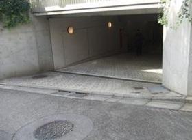 オリオールガーデンズ駐車場