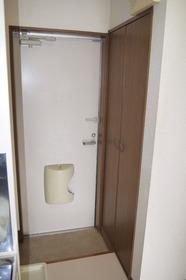 https://image.rentersnet.jp/876dede0-0824-42de-ab0d-68d1156f63a9_property_picture_2419_large.jpg_cap_玄関