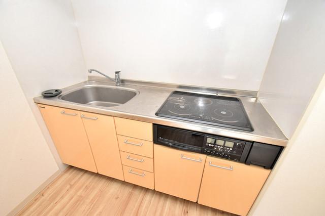 ファミール上小阪 お料理好きにはうれしい設備。豪華なシステムキッチンですよ。