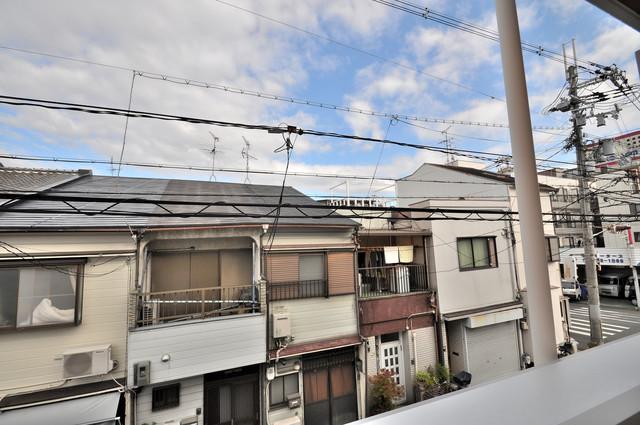 solana岸田堂 この見晴らしが日当たりのイイお部屋を作ってます。