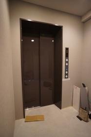 エレベーターあります。
