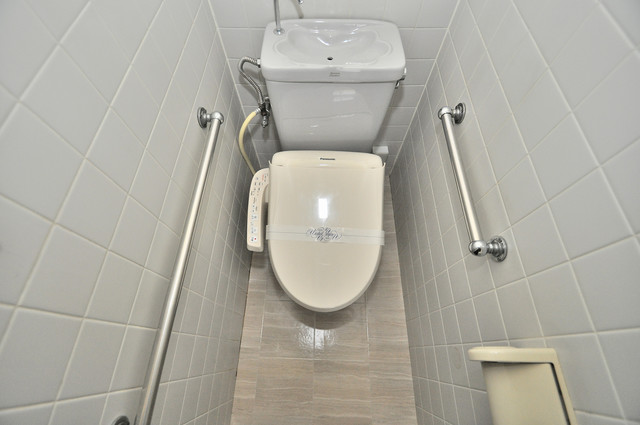 大蓮東5-5-12 貸家 うれしいウォシュレット完備。心地よい空間です。