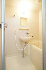 浴室には洗面スパースも備えています。