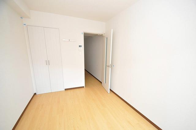 ヴェルドミール小阪 朝には心地よい光が差し込む、このお部屋でお休みください。