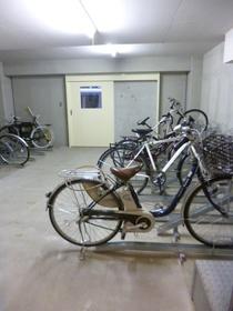 スカイコートヌーベル神田駐車場