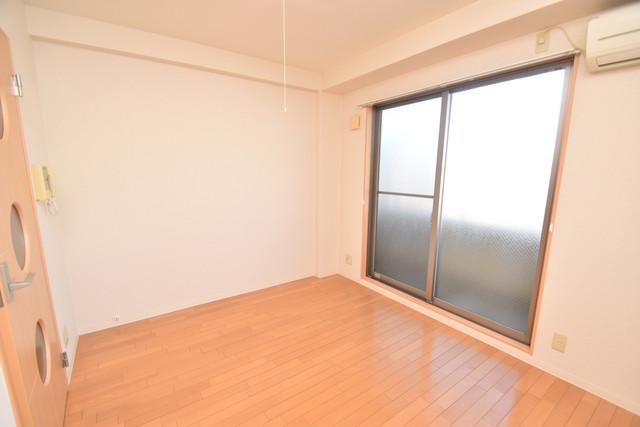 セレブ西上小阪 朝には心地よい光が差し込む、このお部屋でお休みください。