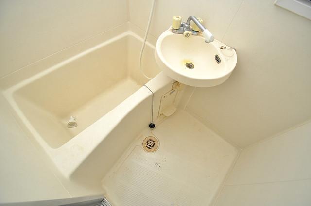 OKハイツ神路 ゆったりと入るなら、やっぱりトイレとは別々が嬉しいですよね。