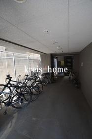 T&G神田マンション駐車場