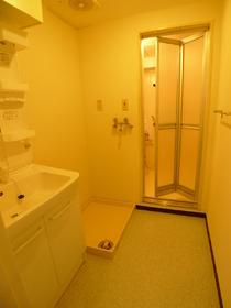 ウィステリアコート 203号室