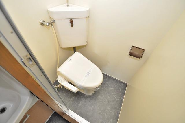 日栄ビル3号館 清潔感たっぷりのトイレです。入るとホッとする、そんな空間。