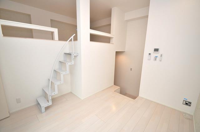 RESTAURO シンプルな単身さん向きのマンションです。