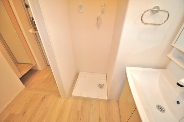 エイチ・ツーオー布施 独立した洗面所には洗濯機置場もあり、脱衣場も広めです。