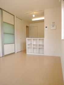https://image.rentersnet.jp/89de0baf-b73a-494b-861f-0b44e27a8bc5_property_picture_953_large.jpg_cap_居室