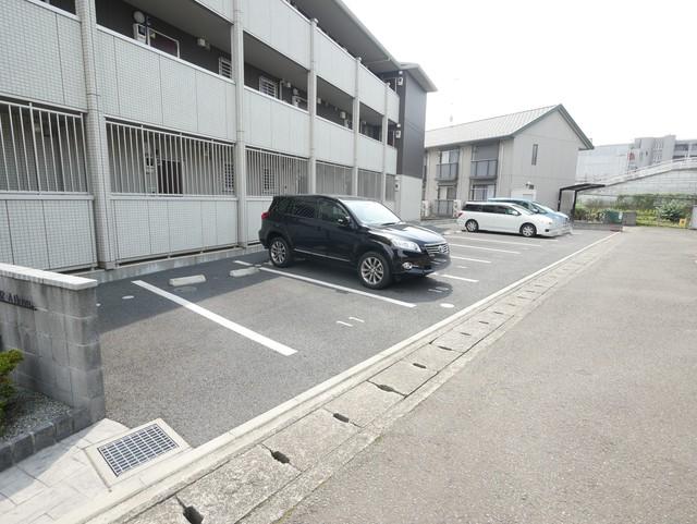 セジュールアイコウ駐車場