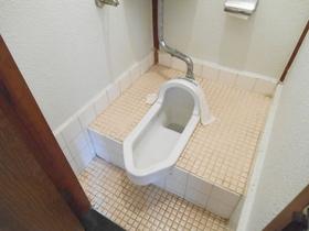 和式タイプのトイレです!